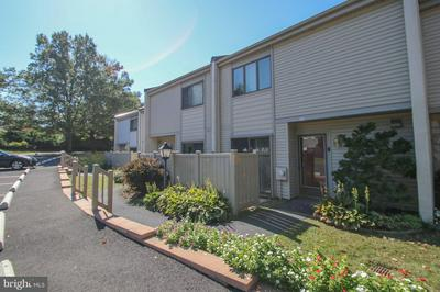 27 TWIN BROOKS DR # 27D, WILLOW GROVE, PA 19090 - Photo 1