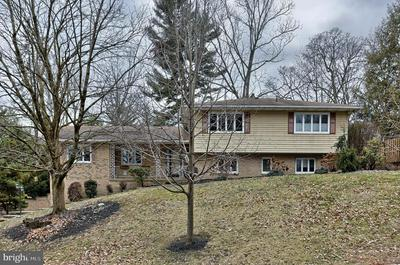 730 VISTA DR, CAMP HILL, PA 17011 - Photo 2