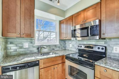 2105 N SCOTT ST APT 81, ARLINGTON, VA 22209 - Photo 2