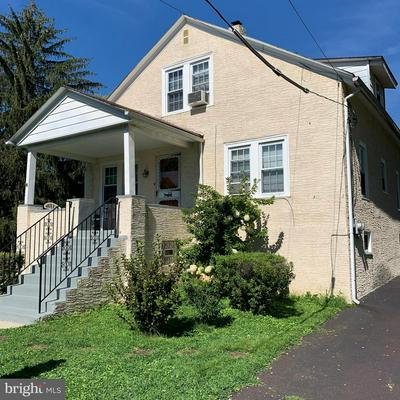 29 S PARK AVE, NORRISTOWN, PA 19403 - Photo 2