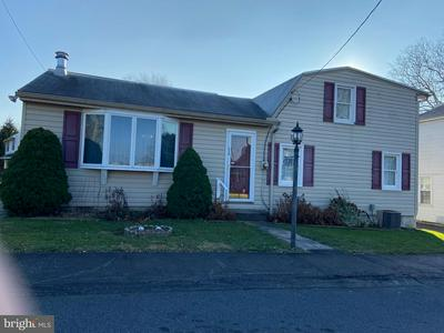 114 PENN ST, MIDDLETOWN, PA 17057 - Photo 1