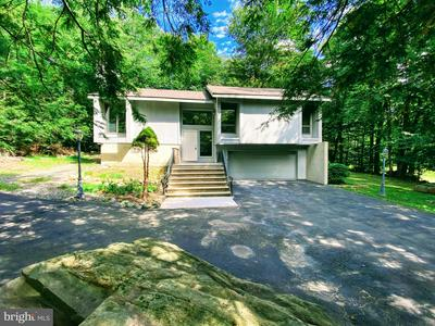 2533 COUNTRY CLUB DR, TOBYHANNA, PA 18466 - Photo 1