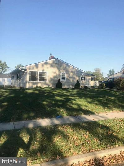 26 FORTUNE LN, LEVITTOWN, PA 19055 - Photo 1