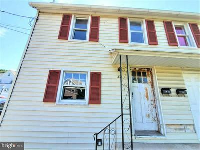 58 CHINTEWINK ALY, PHILLIPSBURG, NJ 08865 - Photo 2