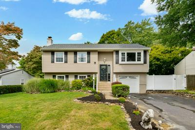 213 WELSFORD RD, FAIRLESS HILLS, PA 19030 - Photo 1