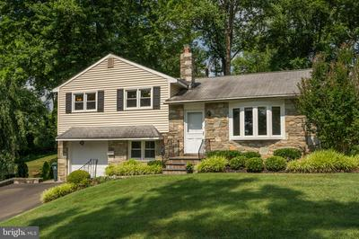 528 PINETREE RD, JENKINTOWN, PA 19046 - Photo 1