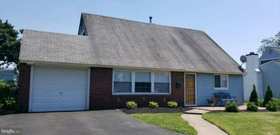 70 QUAKER HILL RD, LEVITTOWN, PA 19057 - Photo 1