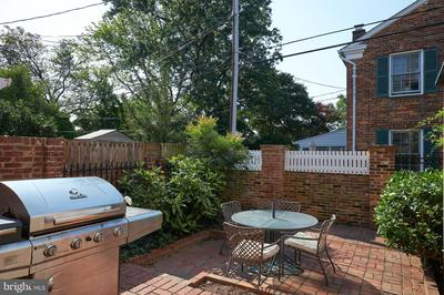 820 GREEN ST, ALEXANDRIA, VA 22314 - Photo 2