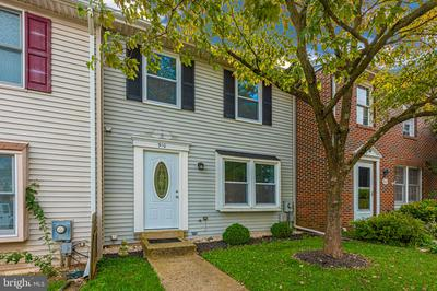 910 MERRIDALE BLVD, MOUNT AIRY, MD 21771 - Photo 1