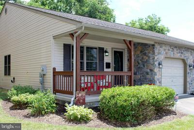910 FREDERICK ST, Hagerstown, MD 21740 - Photo 2