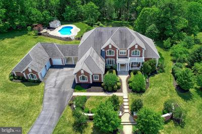 105 TURTLE HOLLOW DR, LEWISBERRY, PA 17339 - Photo 1