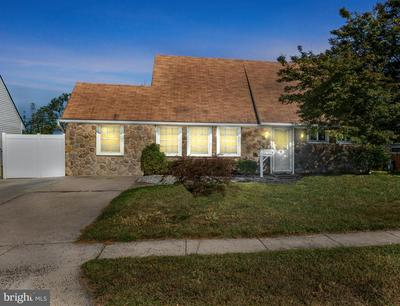 9 KENWOOD DR N, LEVITTOWN, PA 19055 - Photo 1