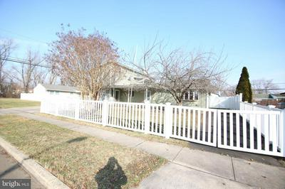 5 INKBERRY RD, LEVITTOWN, PA 19057 - Photo 2