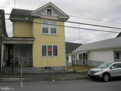 208 W MARKET ST, WILLIAMSTOWN, PA 17098 - Photo 2