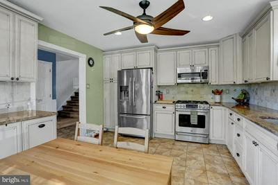 115 MERION DR, ROYERSFORD, PA 19468 - Photo 2