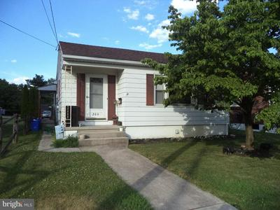 206 WESTMINSTER AVE, HANOVER, PA 17331 - Photo 1