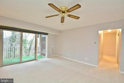 3874 LYNDHURST DR APT 303, FAIRFAX, VA 22031 - Photo 2