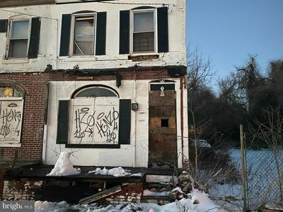 905 FLORENCE ST, CAMDEN, NJ 08104 - Photo 1