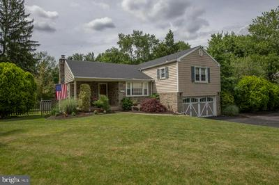 923 SUNSET DR, BLUE BELL, PA 19422 - Photo 1