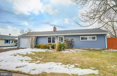 69 GAPING ROCK RD, LEVITTOWN, PA 19057 - Photo 2