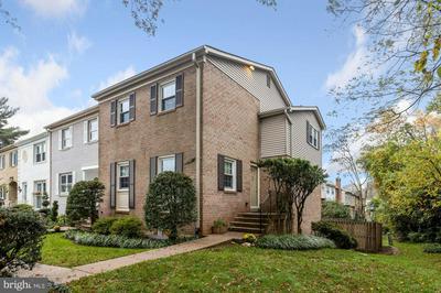 4561 RAVENSWORTH RD, ANNANDALE, VA 22003 - Photo 1