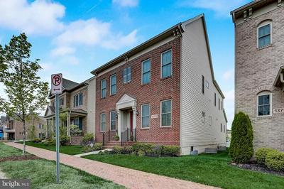 13713 TRIBUTE PKWY, Clarksburg, MD 20871 - Photo 2