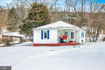 1901 OLD STATE RD, DAUPHIN, PA 17018 - Photo 2