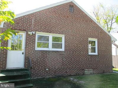 6613 ROOSEVELT AVE, PENNSAUKEN, NJ 08109 - Photo 2