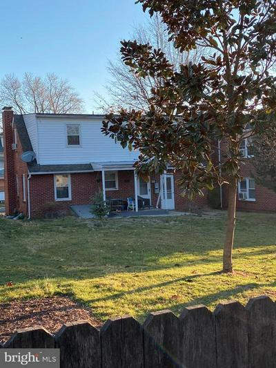 15 W MAGNOLIA AVE, HAGERSTOWN, MD 21742 - Photo 2