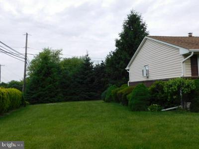 7521 COLUMBINE RD, MACUNGIE, PA 18062 - Photo 2
