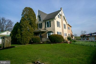 239 SPRINGVILLE RD, KINZERS, PA 17535 - Photo 1