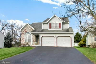 325 WINGSPREAD DR, READING, PA 19606 - Photo 2