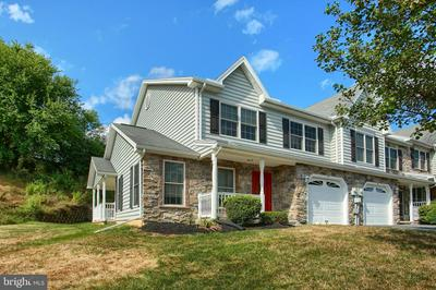 8 LENOX CT, MECHANICSBURG, PA 17050 - Photo 2