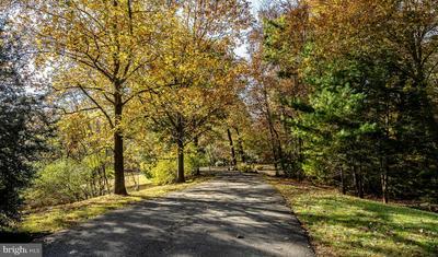 1323 PENNSRIDGE CT, DOWNINGTOWN, PA 19335 - Photo 2