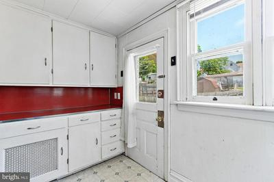 415 N FRANKLIN ST, HANOVER, PA 17331 - Photo 2