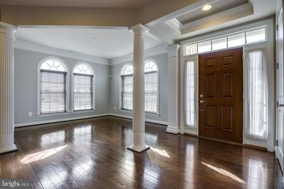 24940 HAUGHTON SQ, CHANTILLY, VA 20152 - Photo 2