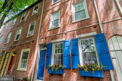 621 LOMBARD ST, PHILADELPHIA, PA 19147 - Photo 1