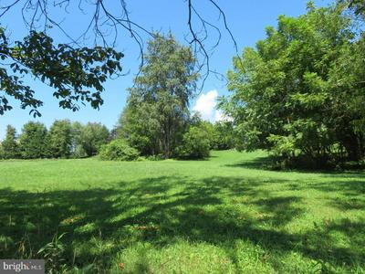 217 OLD STATE RD, ROYERSFORD, PA 19468 - Photo 2