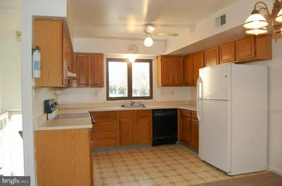 2803 EAGLE RD # 2803, WEST CHESTER, PA 19382 - Photo 2