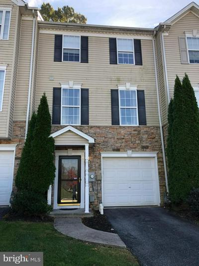 366 BRUAW DR, YORK, PA 17406 - Photo 1