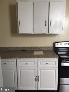 131 N FRONT ST, READING, PA 19601 - Photo 2
