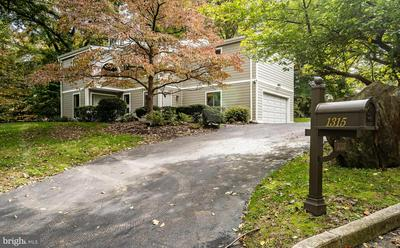 1315 HOLLOW COVE RD, NARBERTH, PA 19072 - Photo 1