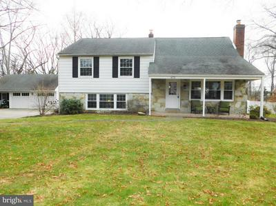 672 DEAVER DR, BLUE BELL, PA 19422 - Photo 2