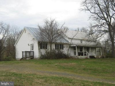 5856 MOORE RD, MARSHALL, VA 20115 - Photo 1