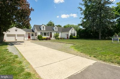 223 CROSSWICKS RD, BORDENTOWN, NJ 08505 - Photo 2