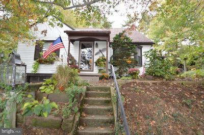 405 ORCHARD LN, MANHEIM, PA 17545 - Photo 2