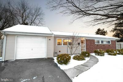55 INCURVE RD, LEVITTOWN, PA 19057 - Photo 1