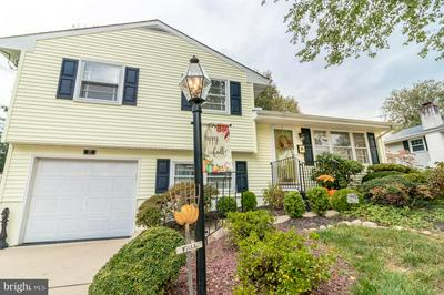 27 FLEETWOOD DR, HAMILTON, NJ 08690 - Photo 1