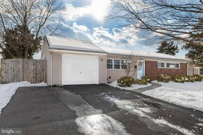 55 INCURVE RD, LEVITTOWN, PA 19057 - Photo 2