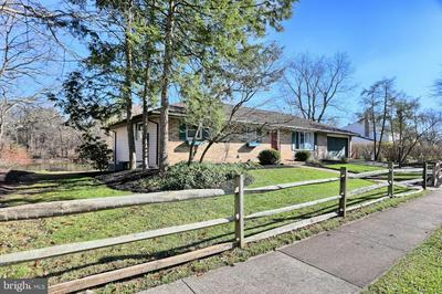 502 LAMP POST LN, CAMP HILL, PA 17011 - Photo 2